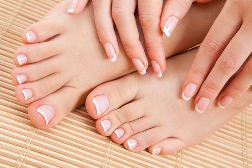 Esmaltes e Misturas: Aprenda o passo a passo de cuidados com as unhas