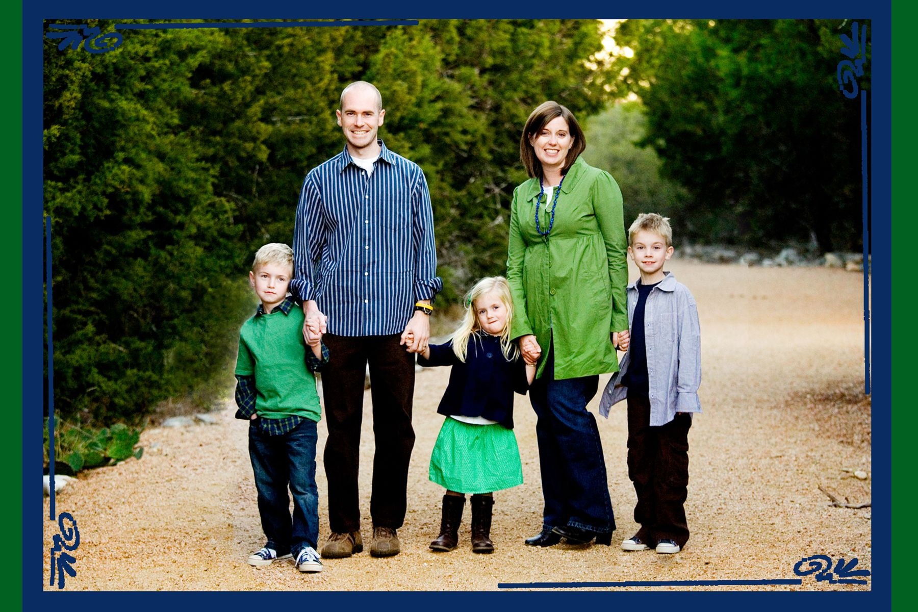 What to wear in Family Pictures | Family pictures, Portraits and ...