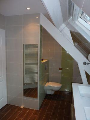 Douche l 39 italienne sous combles montrez nous votre for Salle de bain sous comble avec baignoire et douche