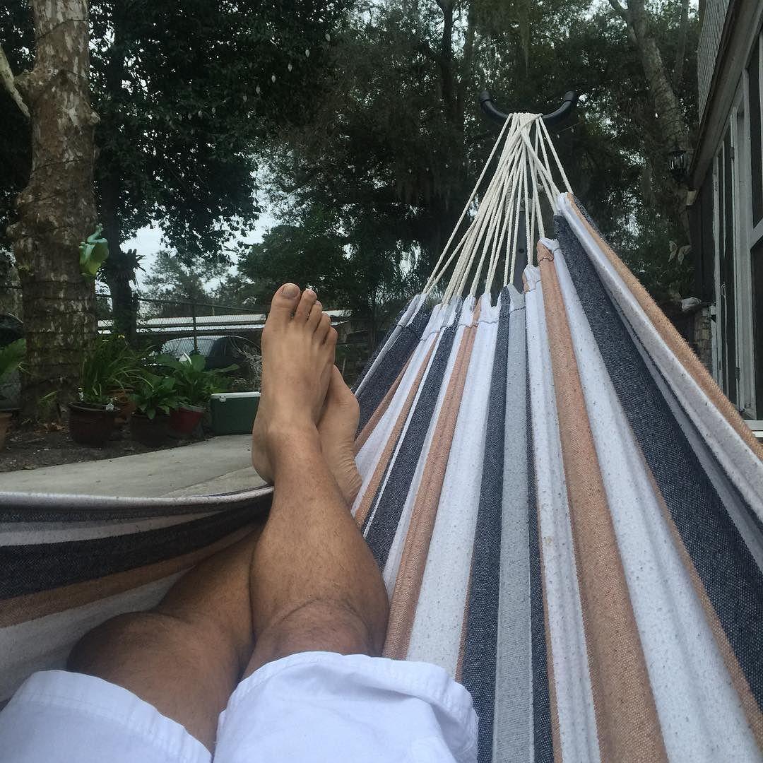 Resting day #lovemylife#hammocklife #tampa#miami#escuchandovallenatos#relax #instagram#instagood #instapic by @bluer1angel
