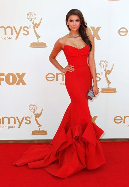 i love the mermaid style of this dress, its very figure flattering