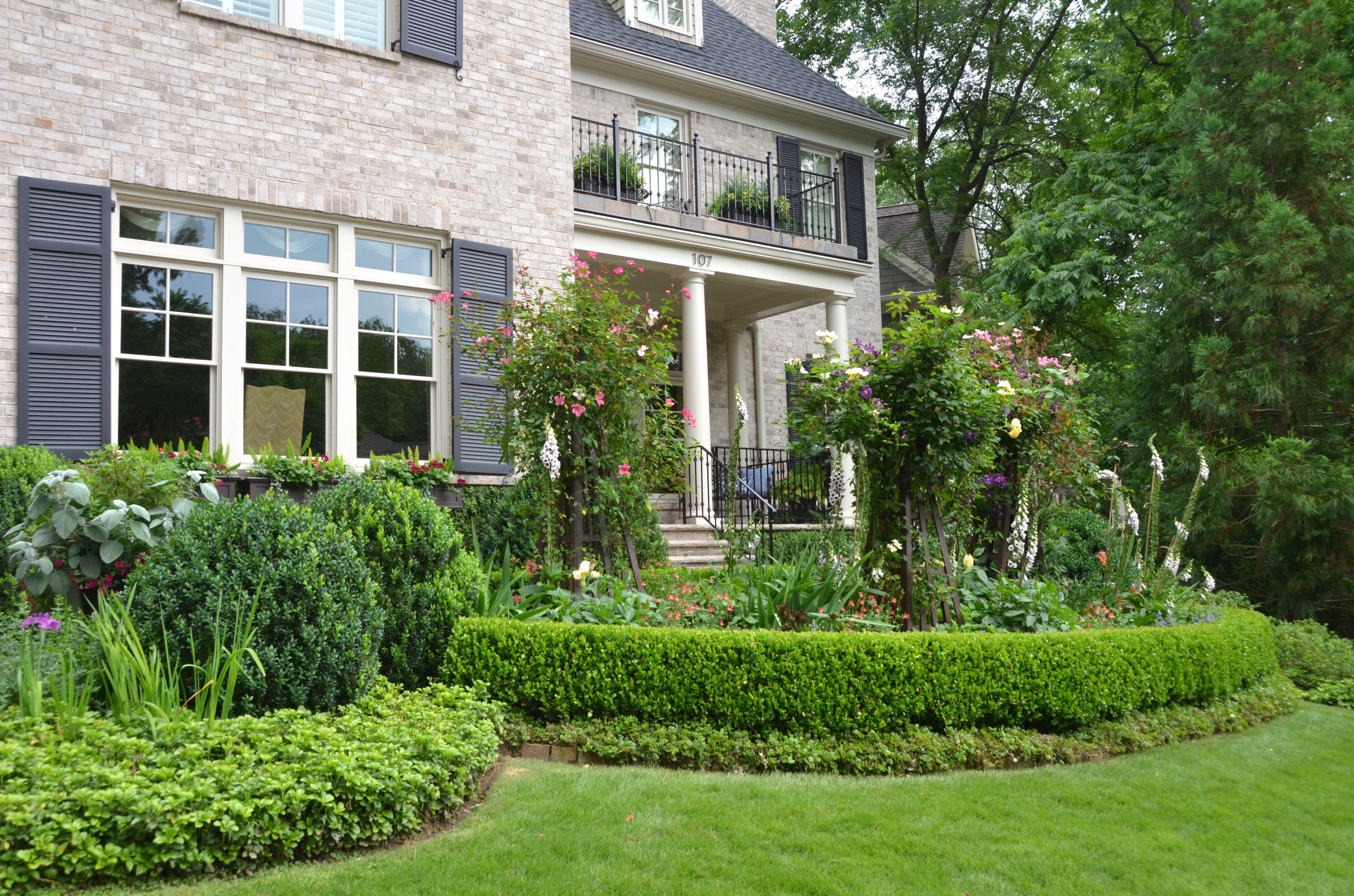 Landscape architect atlanta ga - Parterre Garden With Custom Tuteurs A Planters Design Atlanta Ga