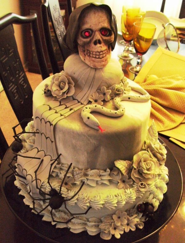 Fine Scary Skull Cake With Images Scary Halloween Cakes Personalised Birthday Cards Epsylily Jamesorg