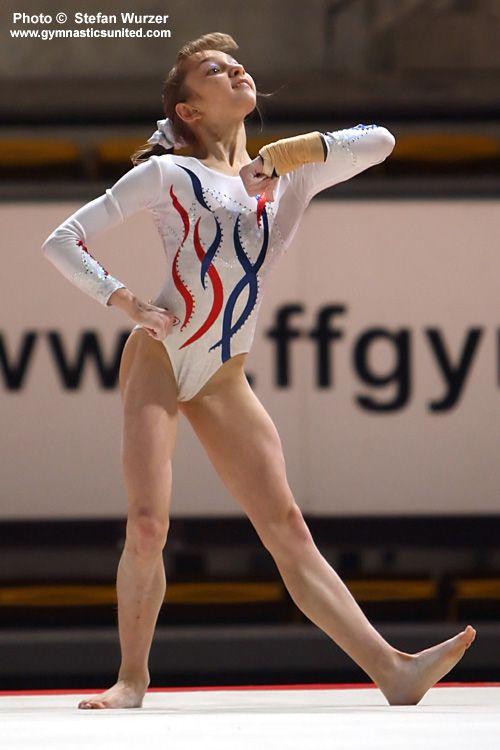 704W0720-komova.jpg (500×750) (With images) | Gymnastics