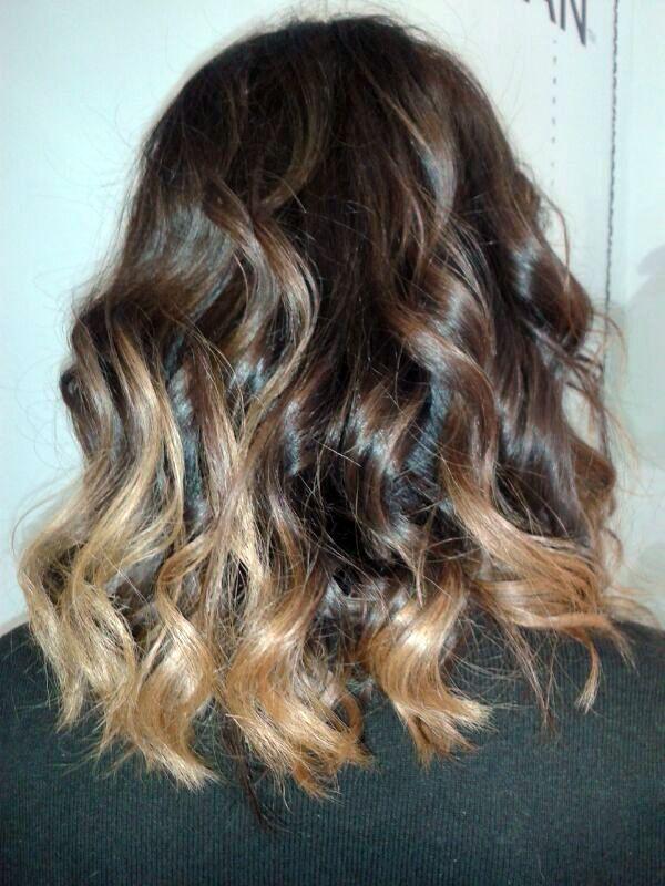 Súper fácil peinados media melena con trenzas Colección De Consejos De Color De Pelo - Mechas californianas, media melena | Hairstyle, Hair ...