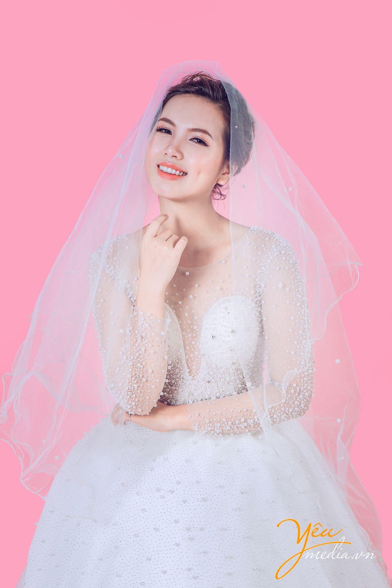 Chụp ảnh cô dâu đơn tại https://yeumedia.vn/ - Hotline