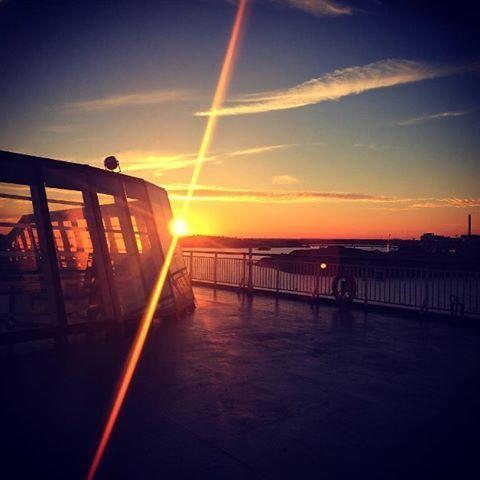 Kesäillat ovat nyt parhaimmillaan Suomenlahdella. ⛴ #eckeröline #msfinlandia #kesä