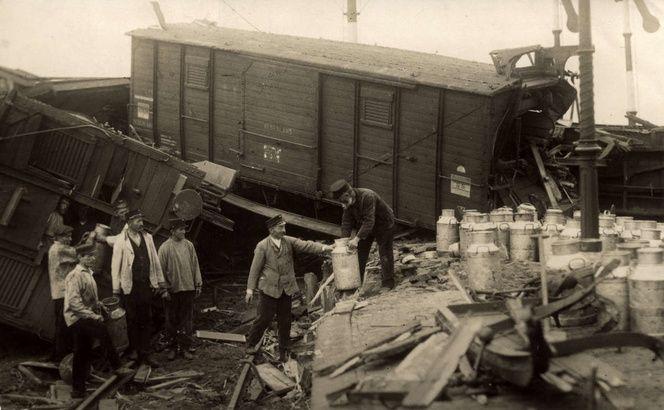 Nijmegen Historische foto's - 1918 Treinongeluk bij Station de Vork Nijmegen