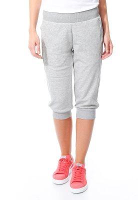 2315390cc Estos son unos pantalones por la tiempo tranquilo. Los pantalones son gris.  La marca es Puma.
