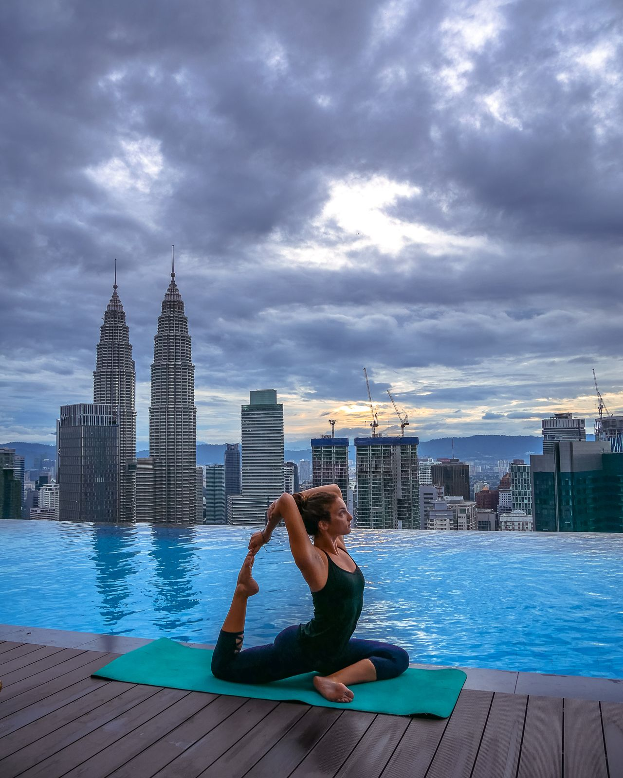How To Save Money On Hotels With The Best Infinity Pools In Kuala
