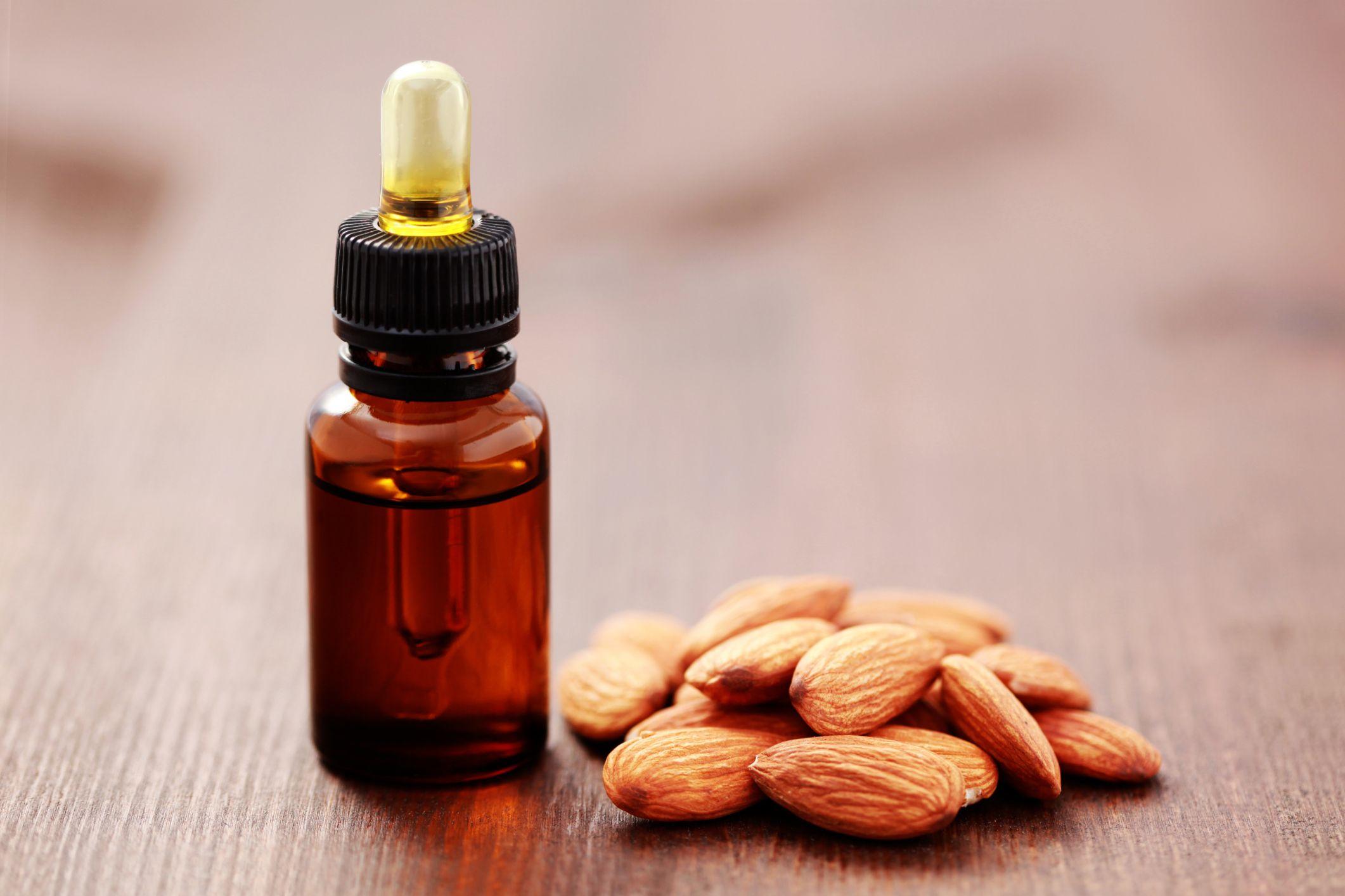 Jojoba Oil Vs. Almond Oil Almond oil uses, Jojoba oil