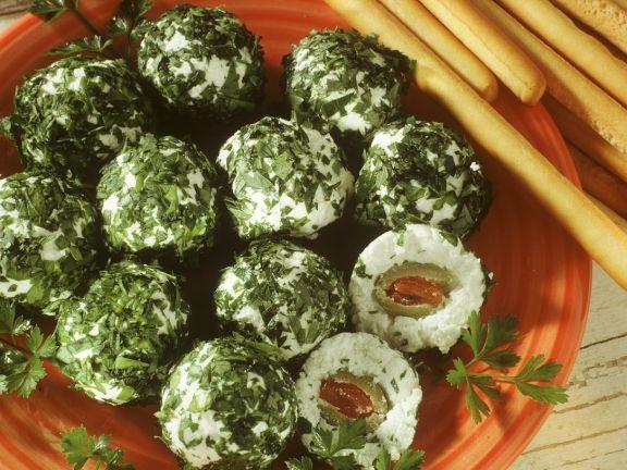 Kräuter-Ricottabällchen ist ein Rezept mit frischen Zutaten aus der Kategorie Kräuter. Probieren Sie dieses und weitere Rezepte von EAT SMARTER!