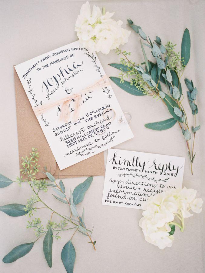 DIY Oregon Wedding with an Instagram Love Story | Invitaciones ...