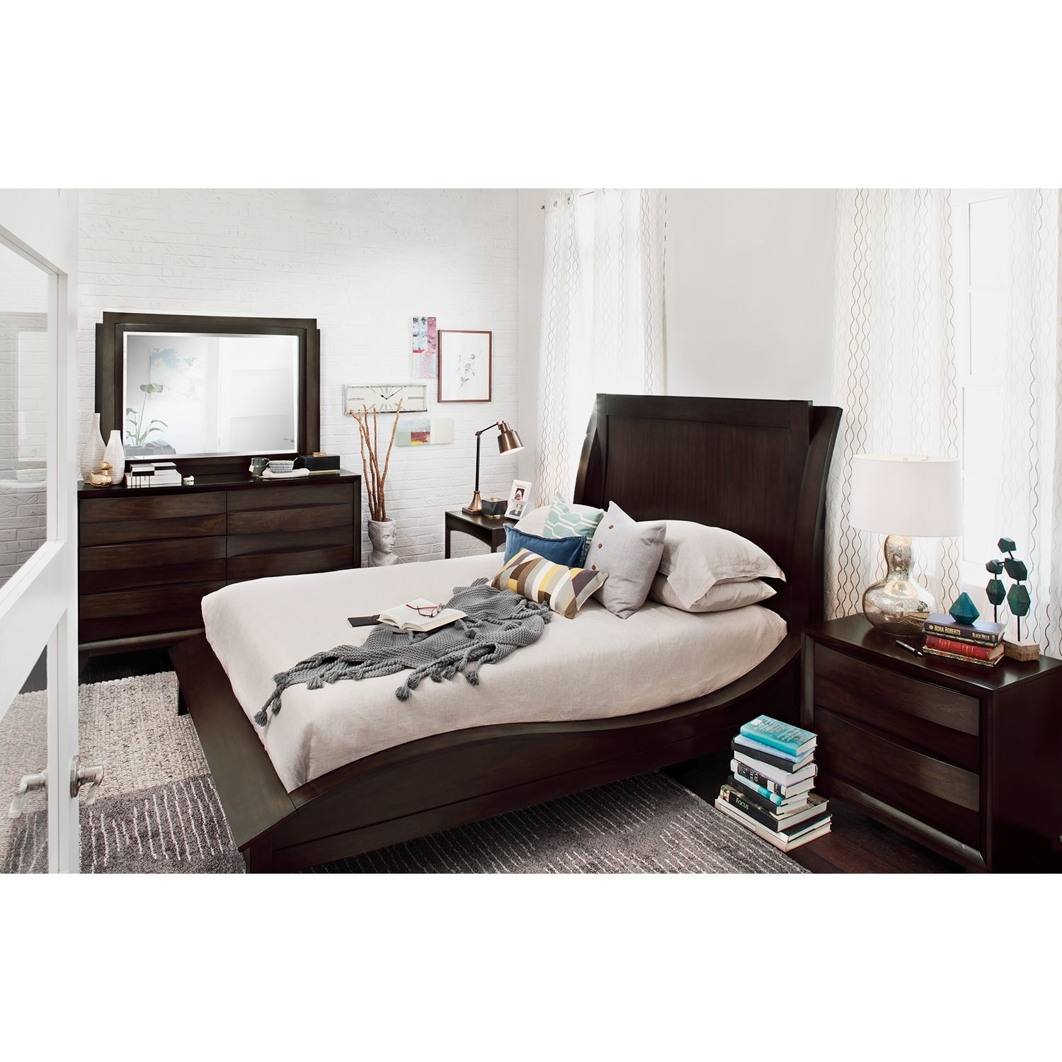 Incroyable Cascade Merlot 6 Pc. Queen Bedroom | Value City Furniture