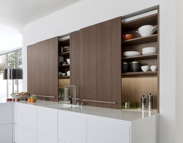 einrichtungsideen f r die wohnk che k chenschr nke mit schiebet ren sorgen f r ordnung. Black Bedroom Furniture Sets. Home Design Ideas