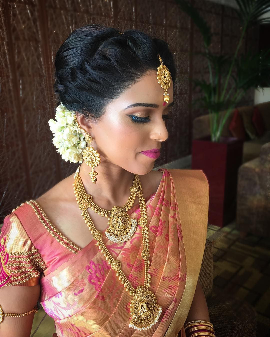 Shalomi Shalomimakeupandhair On Instagram Babitha Looking Radiant In Her Wedd Indian Bride Hairstyle South Indian Bride Hairstyle Indian Bridal Hairstyles