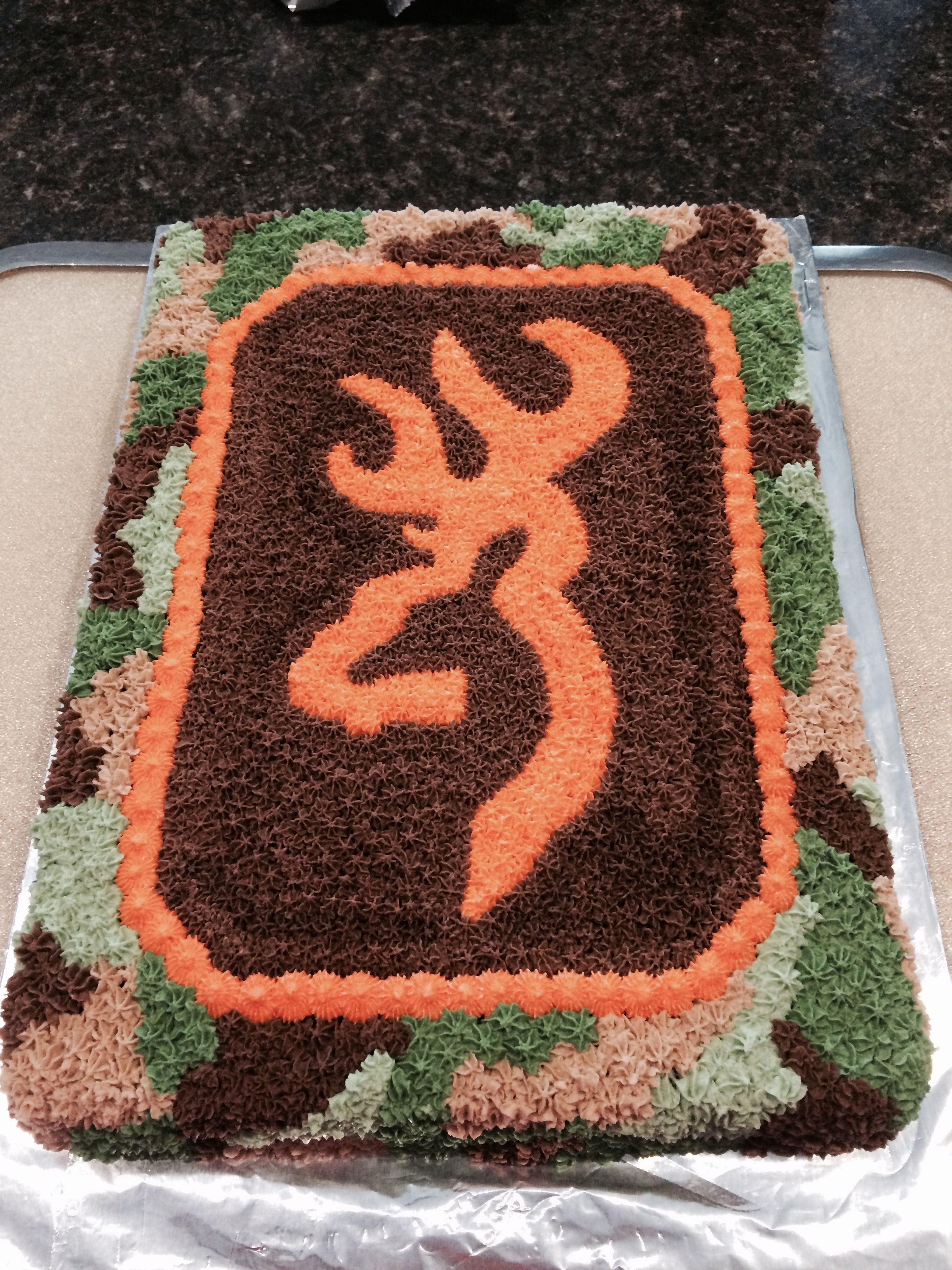 Browning Symbol And Camo Cake Let Them Eat Cake Pinterest