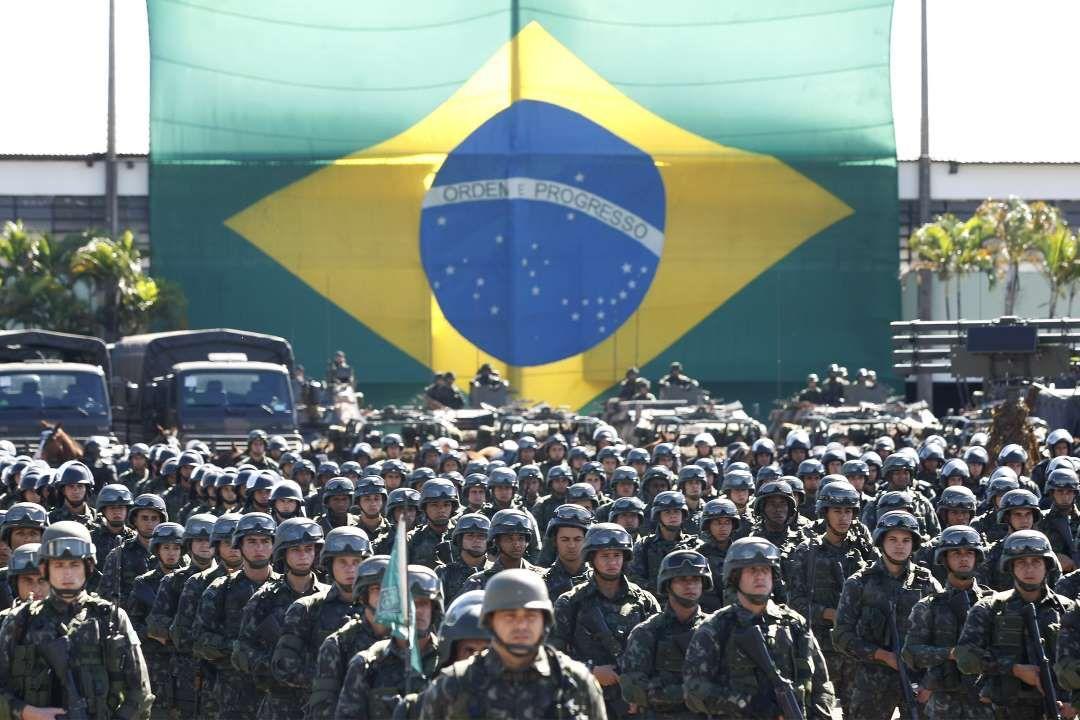 Los Ejércitos Más Poderosos De 2015 Ejercito Colores De Piel Fotos