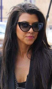 5cbde5f04d9efe Kourtney Kardashian with cat-eye sunnies!  sunglasses  shades  cateye  Lunettes De