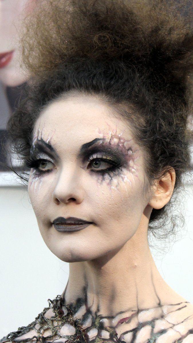 25 Ghost Halloween Makeup Ideas Halloween makeup, Zombie