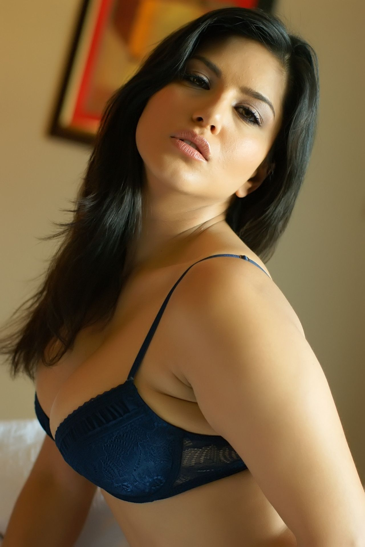 Latest sexy pics of sunny leone