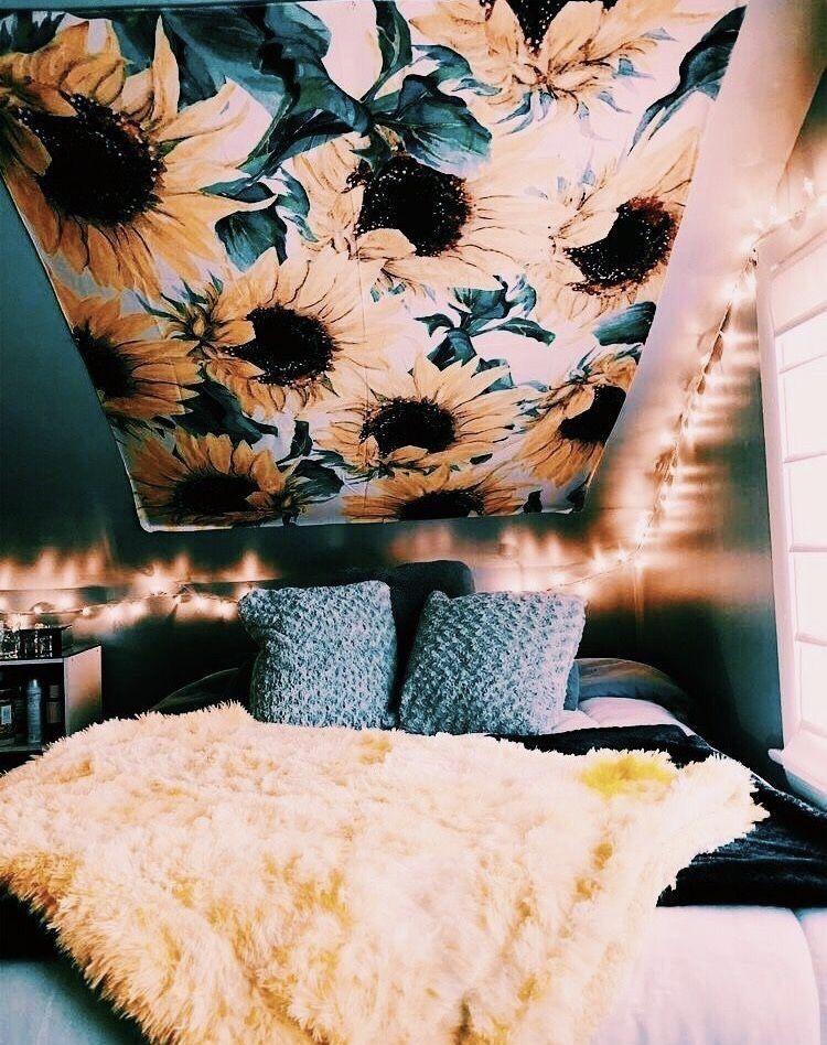TapestryGirls.com
