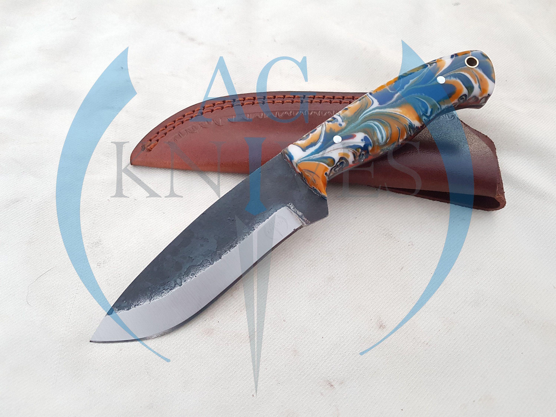 Handmade High Carbon Steel Hunting Skinner Knife With Resin Etsy In 2020 High Carbon Steel Carbon Steel Handmade Knives