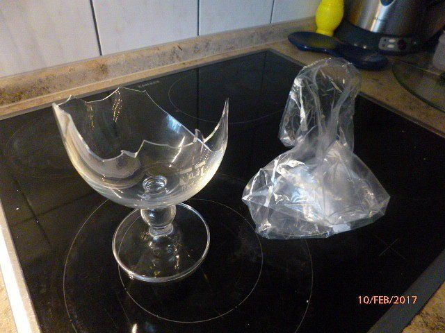 Wir machen einen exklusiven kerzenständer aus einem regulären glas