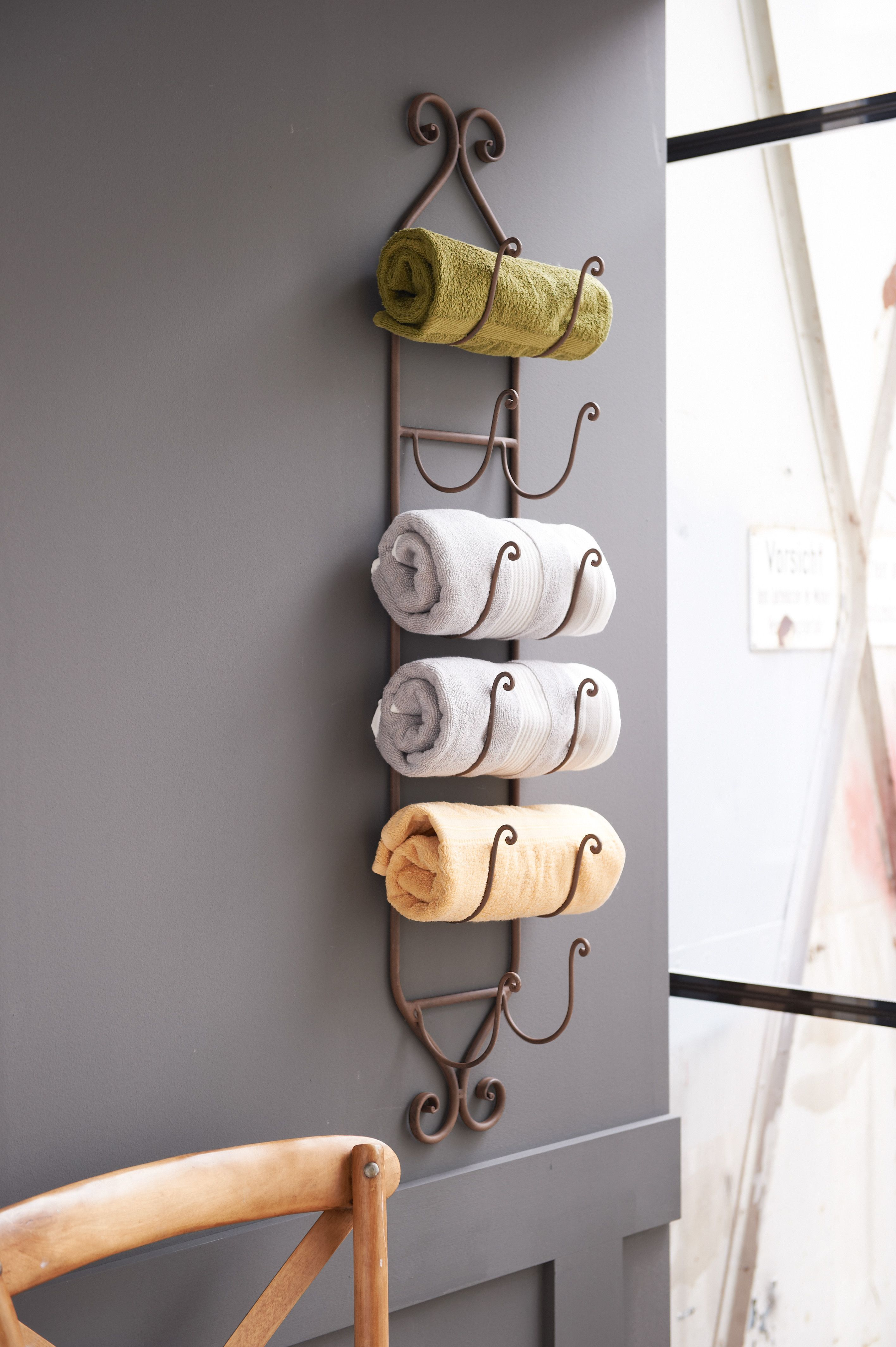 Stilvoller handtuchhalter living impressionen bath impressionen wellness oase - Handtuchhalter landhausstil ...