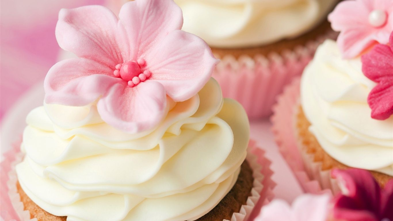 甘いケーキ クリーム 花の装飾 デザート ペストリー 壁紙 1366x768 カップケーキ レシピ ケーキ アイデア 甘いケーキ
