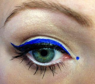 Brown Smoky Eye Shadow With Blue Eyeliner On Waterline Pretty