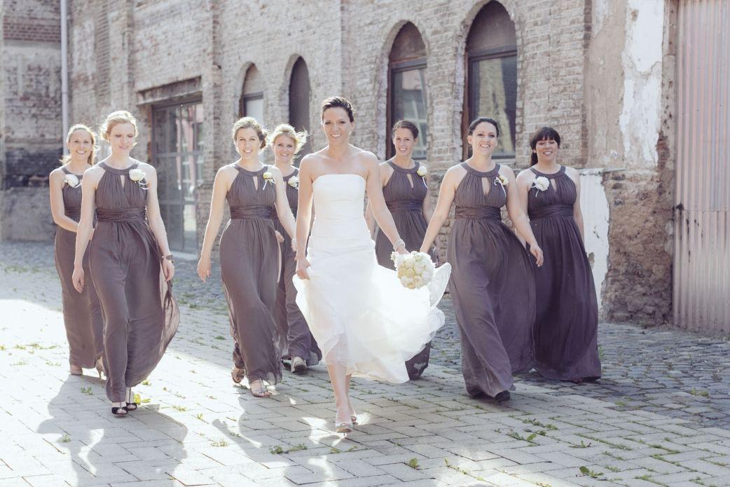 Alte Tuchfabrik Euskirchen Hochzeitsreportagen Koln Kleid Hochzeit Brautjungfern Hochzeit Brautjungfern