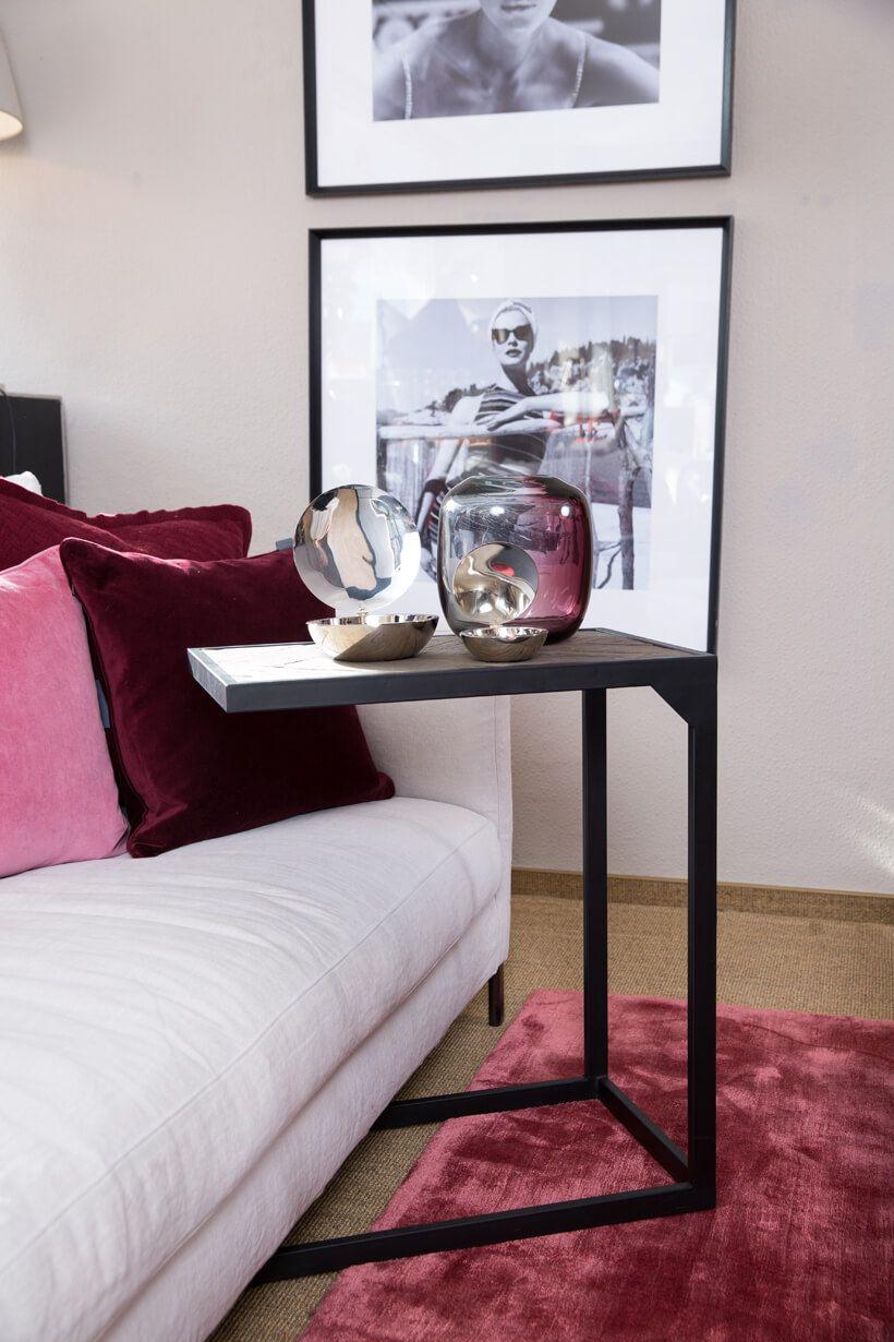 Die Herringbone Serie Von Richmond Interiors Uberzeugt Durch Ihr Modernes Design Kombiniert Mit Stilvollen Accessoire Haus Deko Beistelltische Modernes Design
