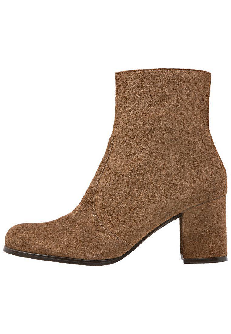KMB IPOCREP Korte laarzen brown, 129.95, http://kledingwinkel.nl/