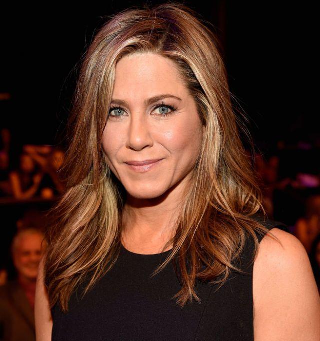 Jennifer Aniston would like us to get over her Brad Pitt breakup already - Elle
