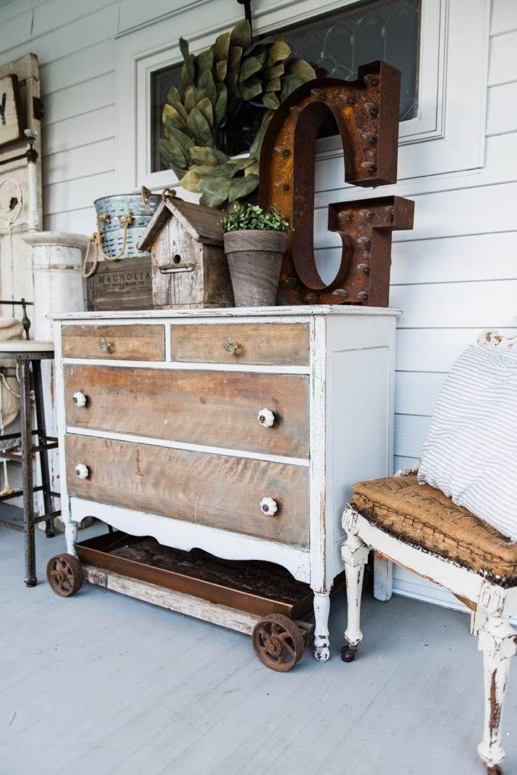 Relooking De Meubles Dans Un Esprit Shabby Chic En 20 Idees Diy Pour Votre Interieur Meuble Porch Furniture Front Porch Furniture Porch Decorating