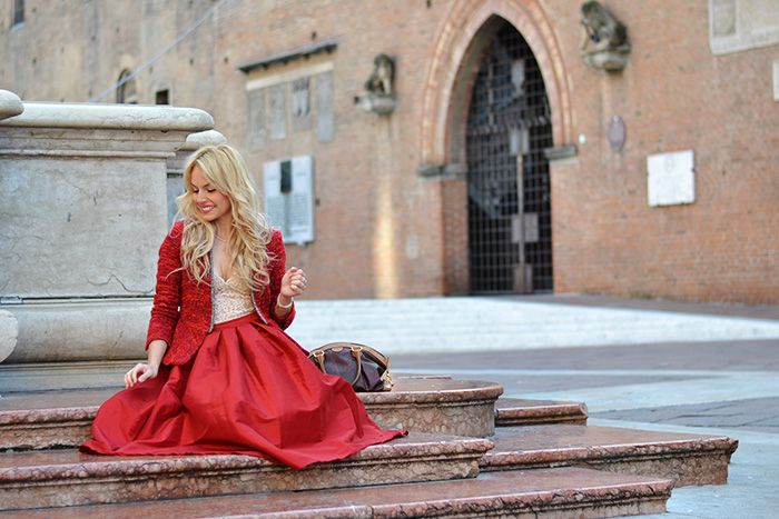 RED total look - #midiskirt, #croptop, nude #pumps and spring Zara blazer - #outfit elegant and chic italian #fashionblogger It-Girl by Eleonora Petrella #ootd #shooting #model #ootd #inspiration #outfit #cool