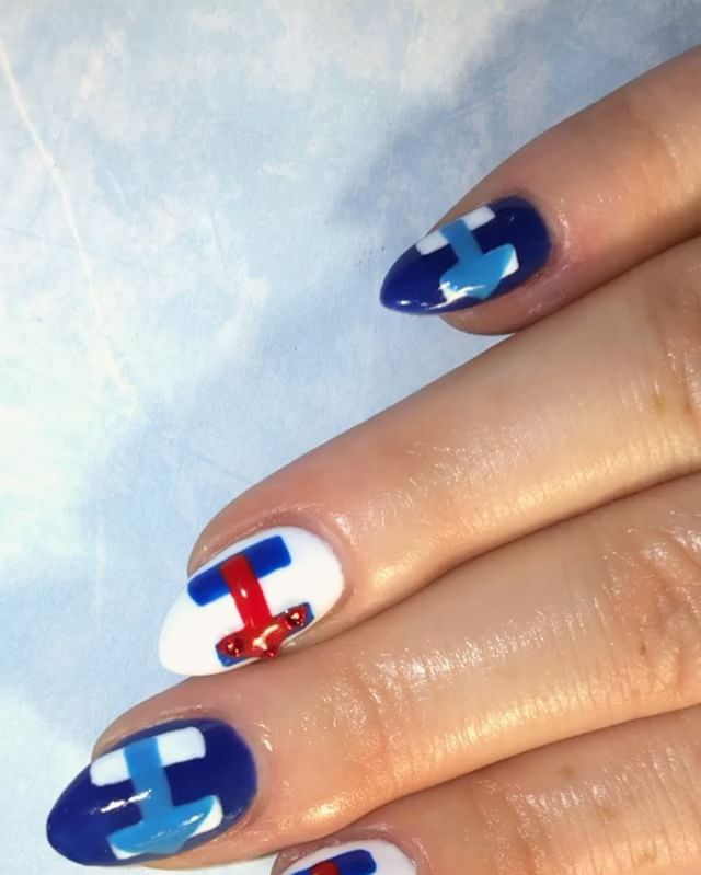 Hillary Clinton and Donald Trump Nail Art Is the Beauty Way to Show ...
