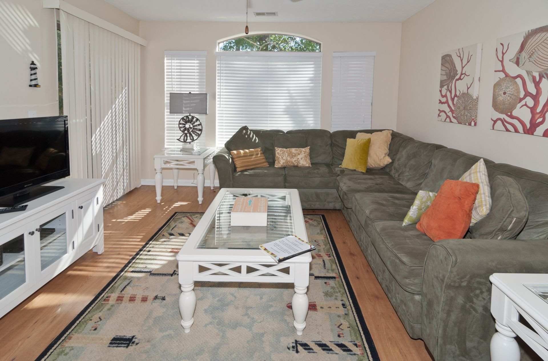 Living room comfortable seating tvdvd sliders to patio