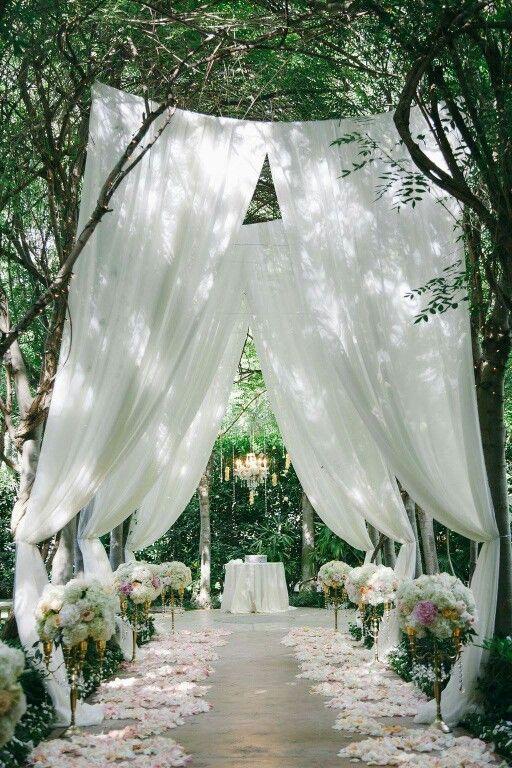 Amazing simple yet elegant outdoor wedding décor   Wedding ...
