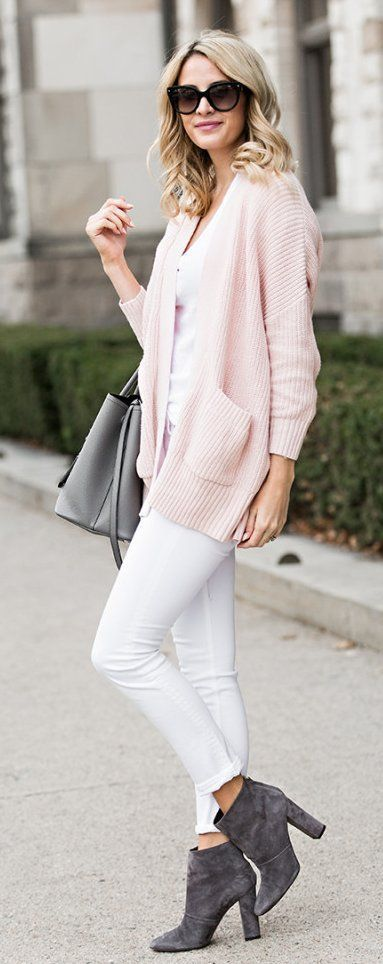 Pink Cardigan / White Skinny Jeans / Grey Suede Booties / Grey Leather Tote Bag