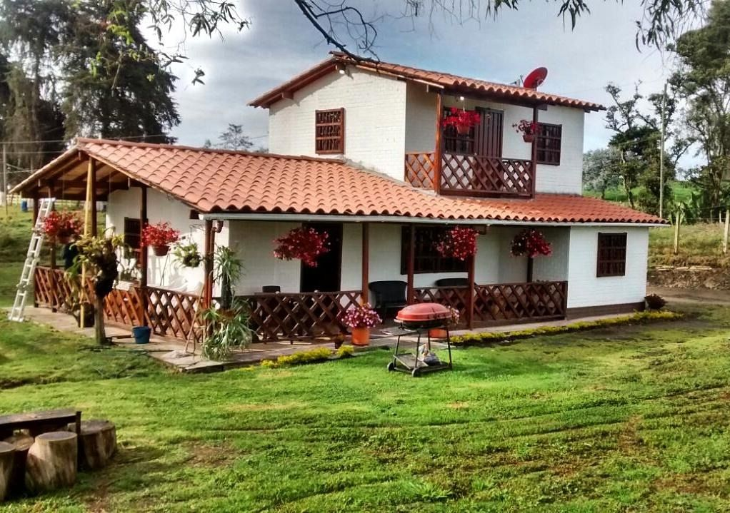 Casas en Venta en Cerrera 52 Barrio Perez 5147 Bello