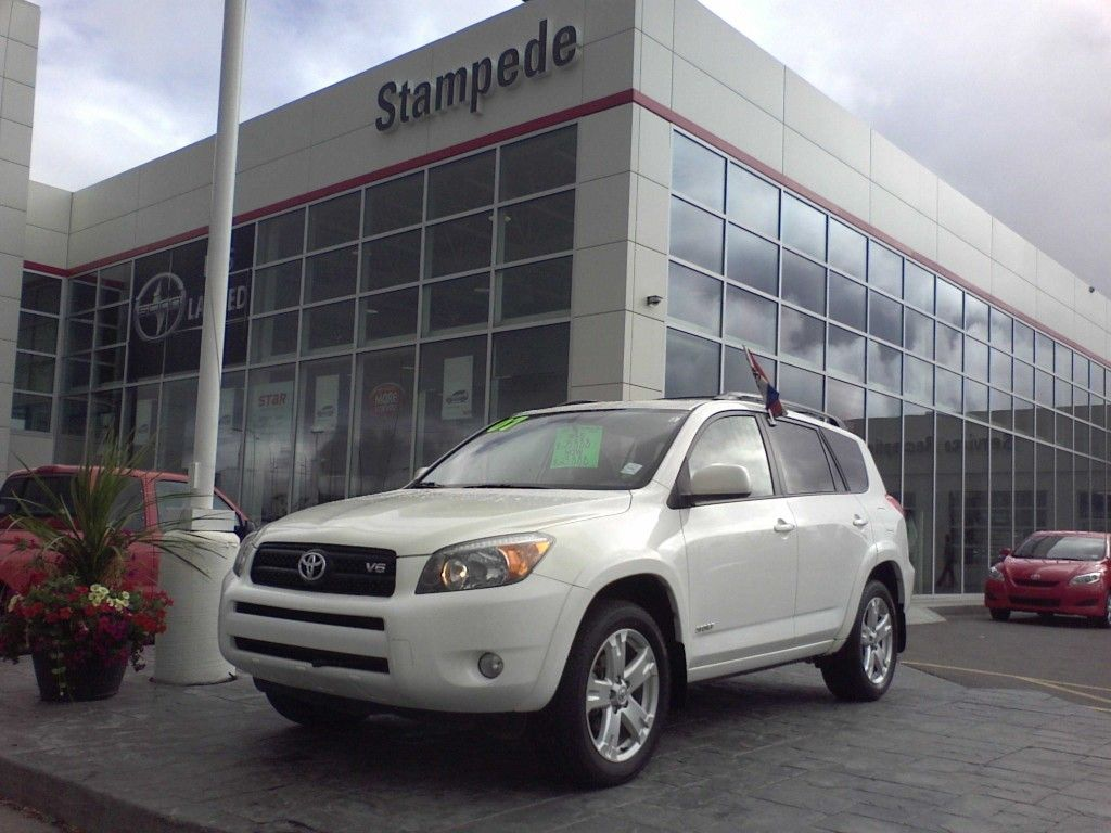 2007 Toyota Rav4 V6 Sport w/Leather and Sunroof For Sale