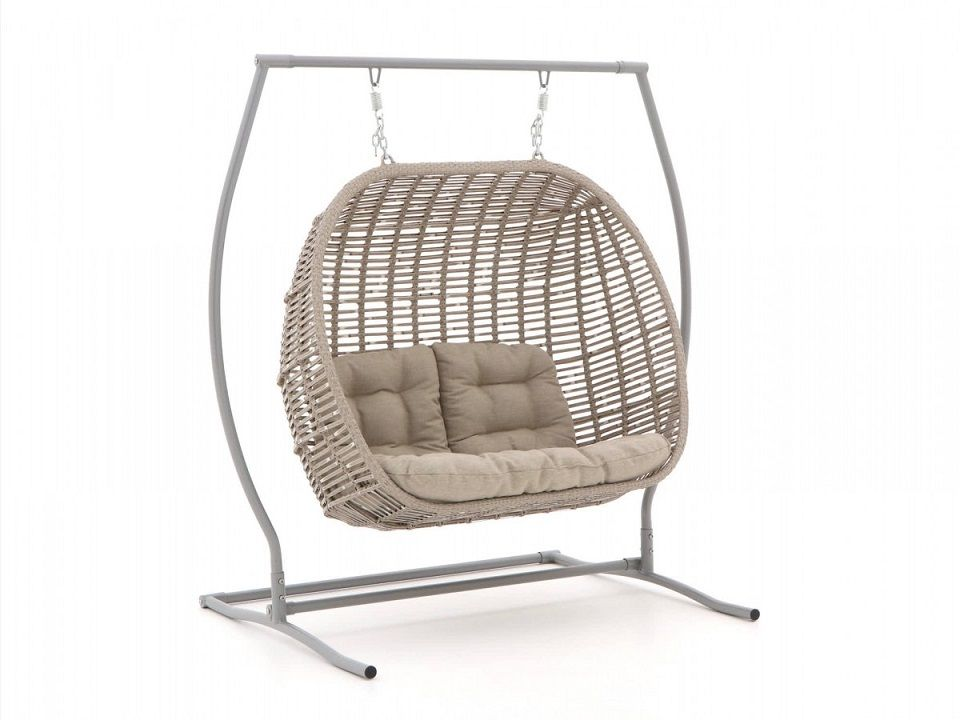 Hangstoel Rotan Buiten.Manifesto Ortello Cocoon Hangstoel Tuinstoelen Hangstoel