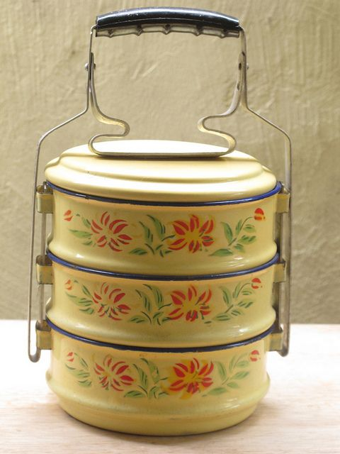 Food storage Set of three transporting bowls Enameled food container Food carrier with handle Vintage enamel lunch box Picnic set