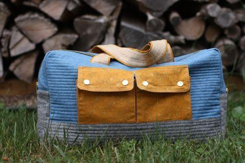 Cargo Duffle Free Pattern: Robert Kaufman Fabric Company