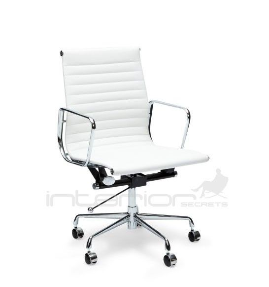 This Aluminium Leather Officechair Is An Inspired Reproduction Of The Original Eames Group Aluminium L Chaise De Bureau Design Chaise Bureau Mobilier De Salon