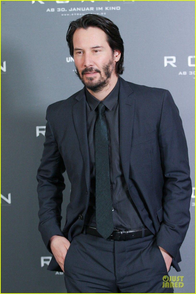 keanu reeves 47 ronin munich photo call 13 Keanu Reeves is