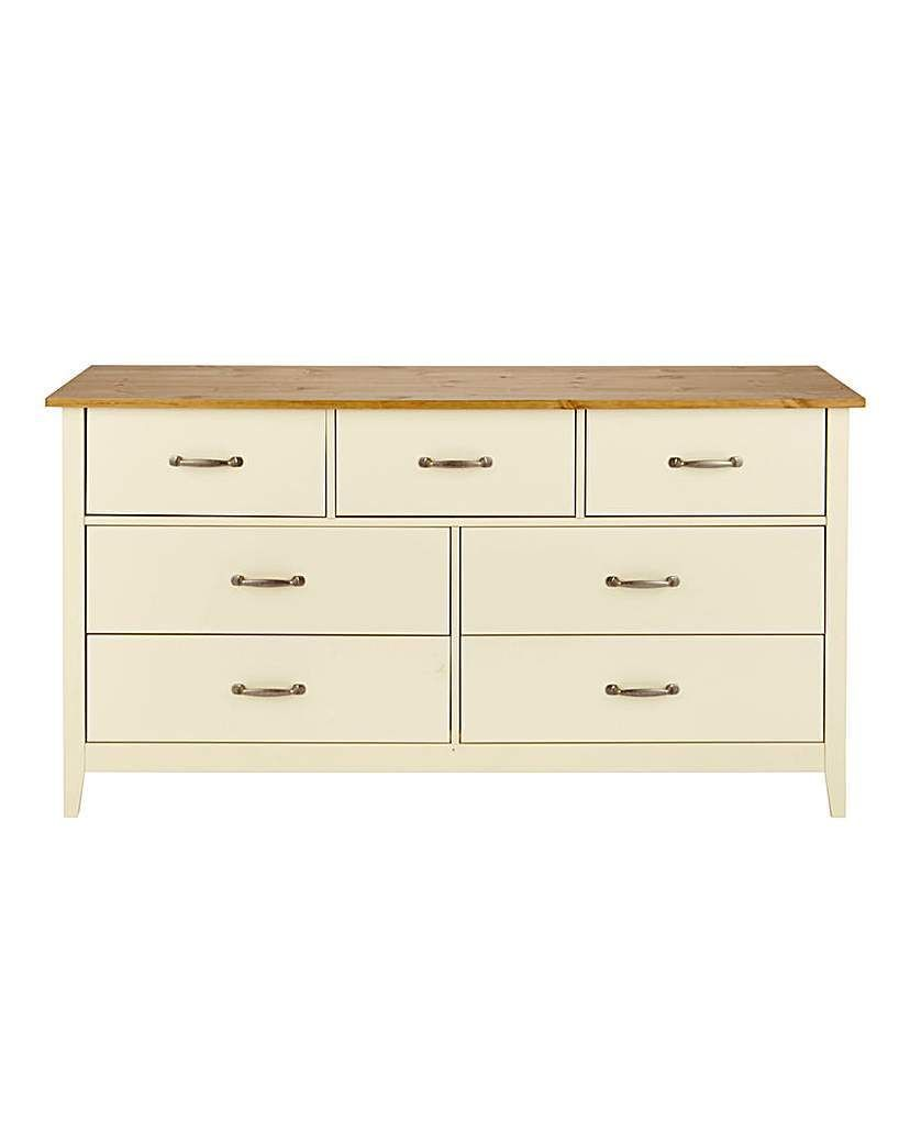 Part Of The Somerset Bedroom Range This 3 Drawer Bedside Table Has Been Crafted In