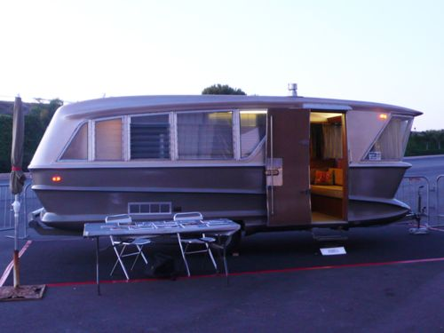 Photo Kitschy Living Vintage Travel Trailers Vintage Camper Vintage Trailers